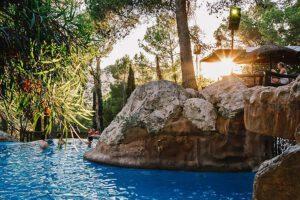 Castell Montgri zwembad La Bassa